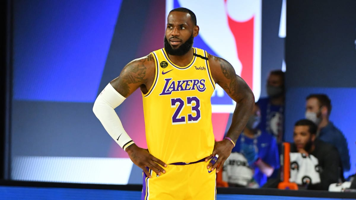LeBron James Demands His Lakers' Teammates Stop Antics On Sidelines