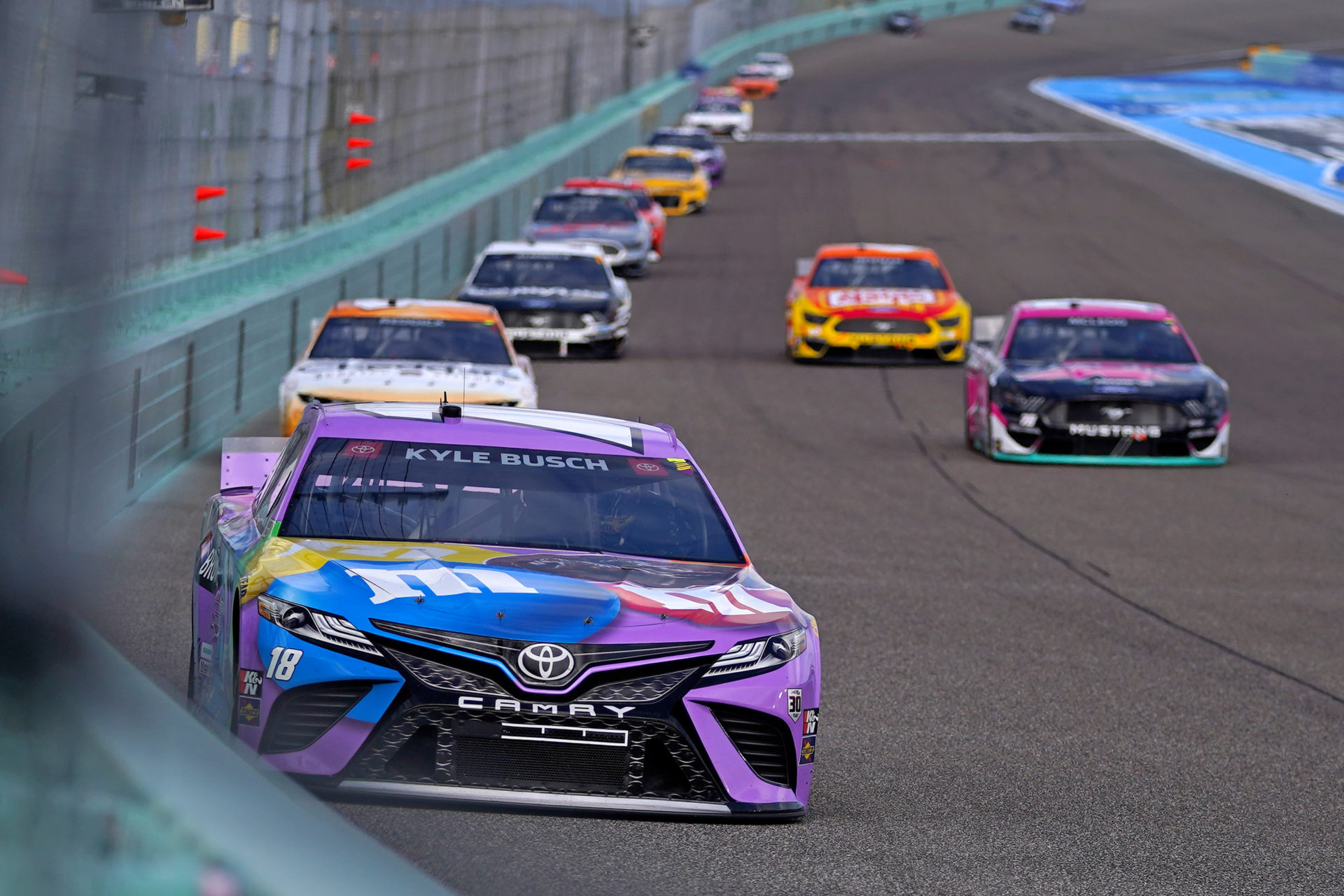 Kyle Busch Recounts Disappointing NASCAR Race at Homestead-Miami, Looks Forward to Las Vegas