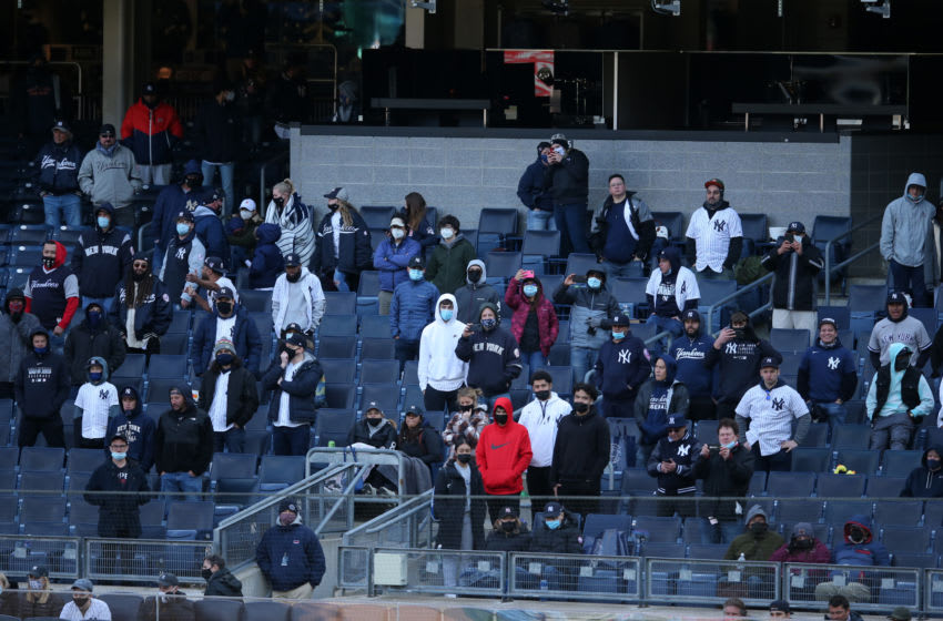 Yankees fans throw dangerous in-game tantrum during blowout loss to Rays (Video)