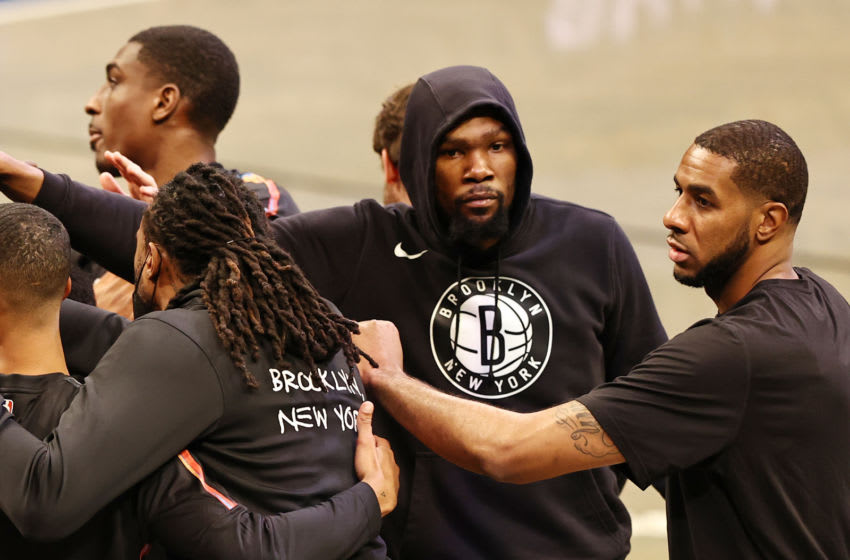 Kevin Durant leaves Nets game with left thigh contusion (Video)