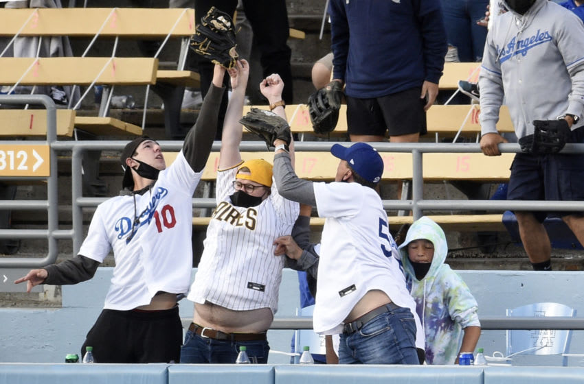 Dodgers fan who threw back Fernando Tatis, Jr. home run gifted another souvenir (Video)