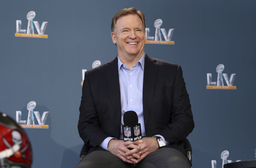 Watch Roger Goodell get mercilessly booed by fans at NFL Draft