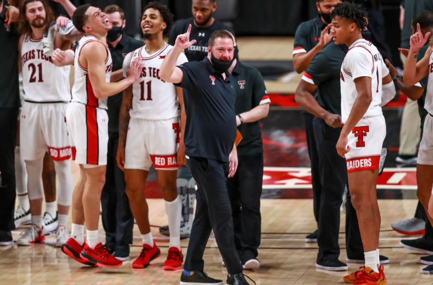 Texas Tech basketball: Red Raiders replacing Chris Beard with top assistant