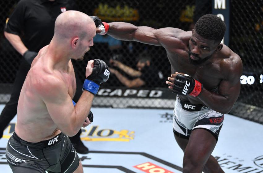 UFC Vegas 23: Impa Kasanganay submits Sasha Palatnikov in welterweight debut