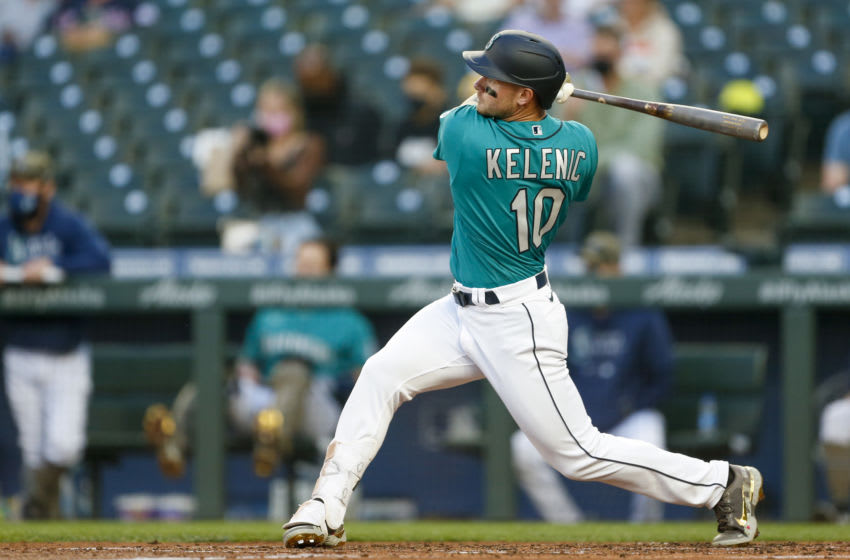 Jarred Kelenic's first major league hit is a home run to right-center field (Video)