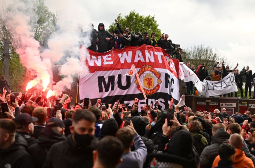 Manchester United fans storm Old Trafford and Twitter is going wild
