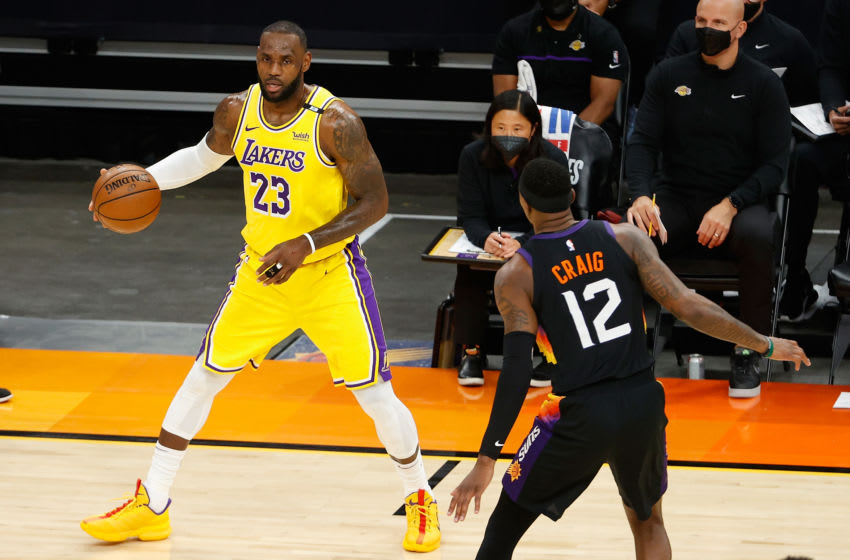 NBA Twitter proclaimed Lakers dead halfway through the second quarter of Game 5