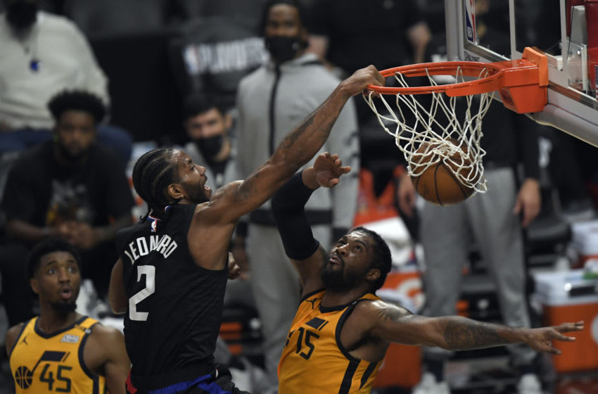 Kawhi Leonard obliterates Derrick Favors with the dunk of the playoffs (Video)