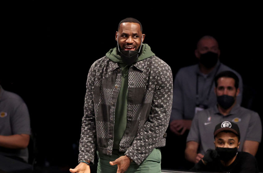 Look: LeBron James lost his mind like the rest of us over Kevin Durant's historic game
