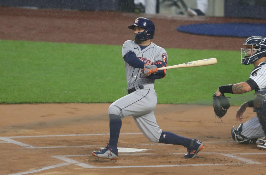 Astros fans get definitive proof Jose Altuve can rake without cheating