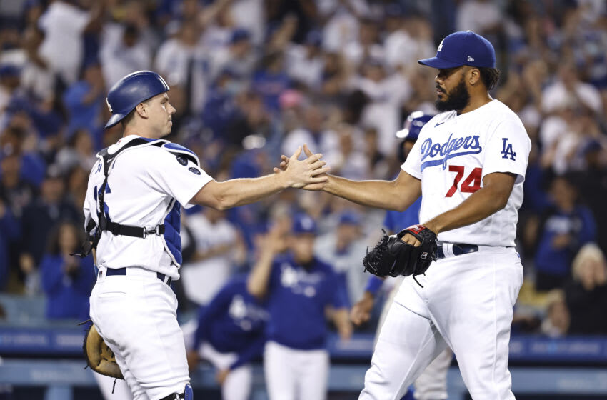 Kenley Jansen brings out mariachi band to serenade Dodgers staff (Video)