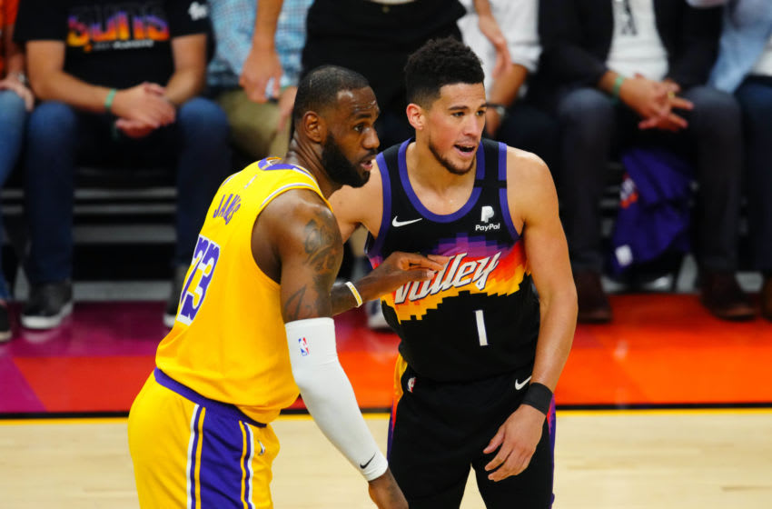LeBron James gave Devin Booker an autographed jersey after Suns beat Lakers (Photos)