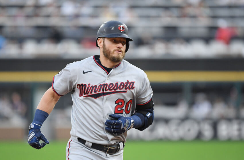 Josh Donaldson enrages White Sox with another home run and bat drop (Video)